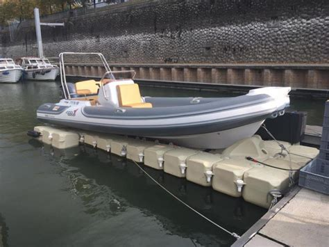 boten lift re 224 bateaux boat lift photos dock marine europe
