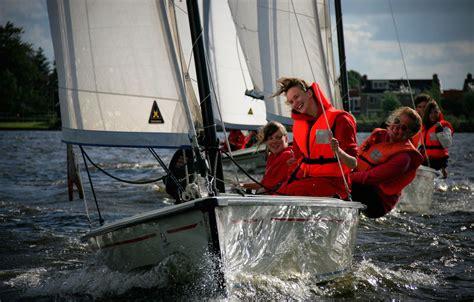reddingsvest zeilen drijfveer bootverhuur friesland zeilboten en sloepen