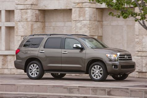 toyota sequoia 2017 toyota sequoia safety review and crash test ratings