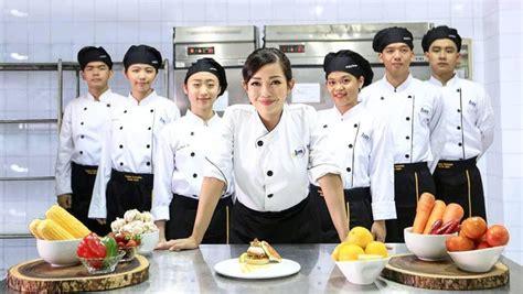 restoran milik celebrity chef indonesia