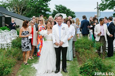 summer house nantucket nantucket summer house wedding somer mark zofia co photography