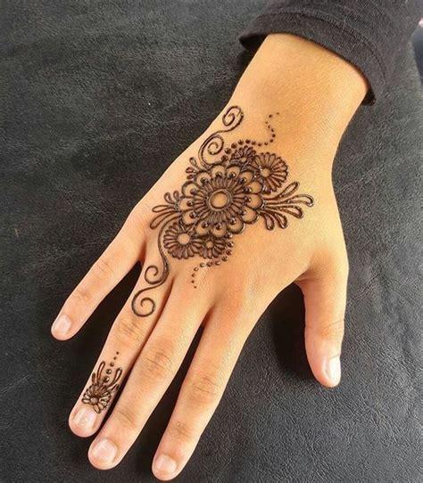 henna design little 22 elegant henna art for little girl makedes com