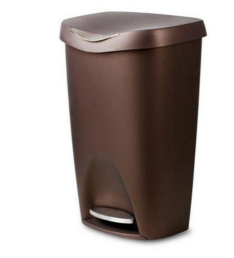 colored kitchen trash cans 83 best images about kitchen ideas on oak