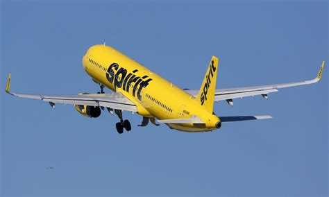 spirit airlines help desk spirit airlines tightens personal baggage allowance
