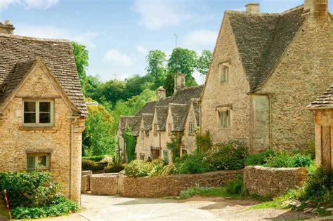 traditional cottage style homes cotswold cottage style what is vernacular style homebuilding renovating