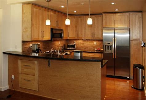 maple shaker kitchen cabinets images of maple shaker cabinets view entire picture