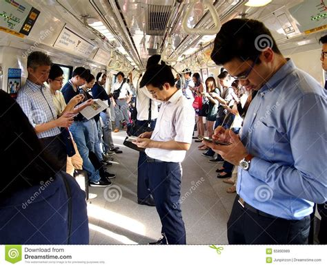 The Best 8 To Pass Time by Commuters Or Passengers Inside The Mrt Pass The Time By