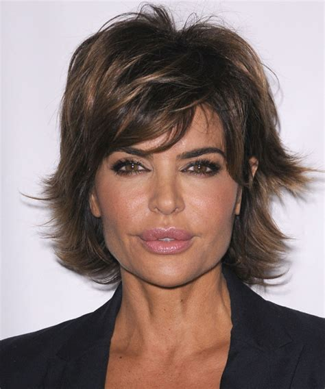 does lisa rinna have fine hair lisa rinna short straight casual hairstyle with side swept