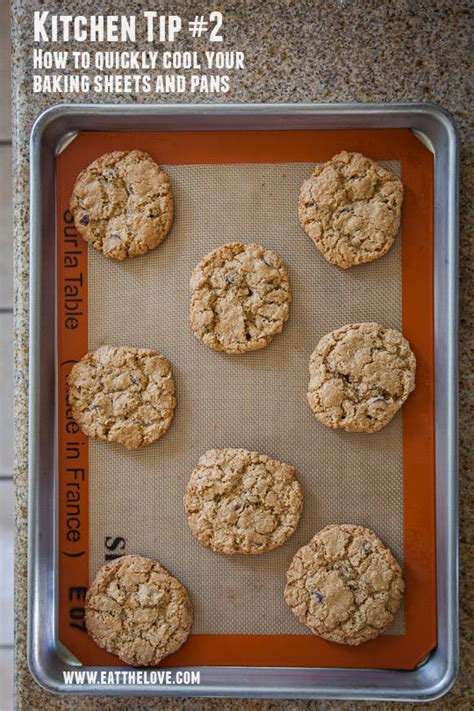 Simple Tip Use Two Cookie Sheets by Baking Tips Cooking Tips And Tricks Eat The
