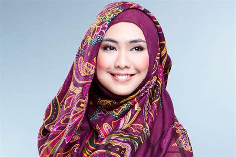 tutorial jilbab oki cara hijab syar i ala oki setiana dewi info makkah