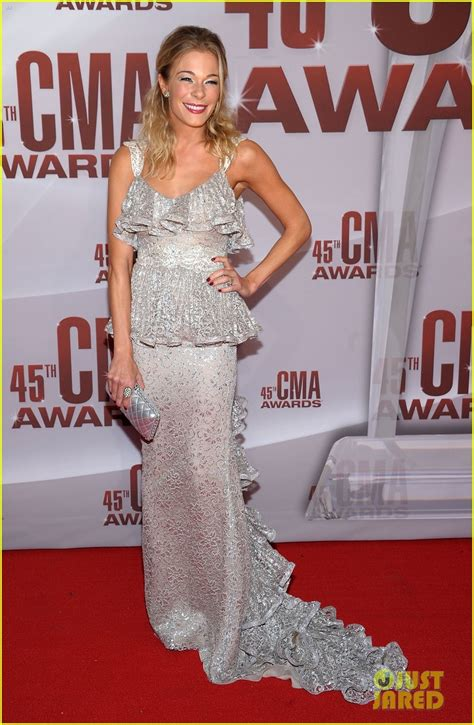 Cma Awards Leann Rimes by Sized Photo Of Leann Rimes Cma Awards 2011 05 Photo