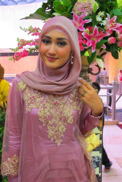 Kebaya Pelangi beautiful modern styles by dian pelangi hijabiworld