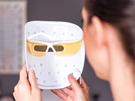 does the neutrogena light mask work review neutrogena light therapy acne mask does it