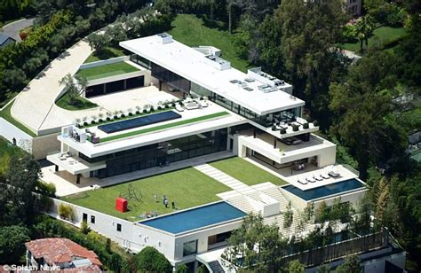bel air mansion beyonce and jay z put 120m bid on bel air mansion daily