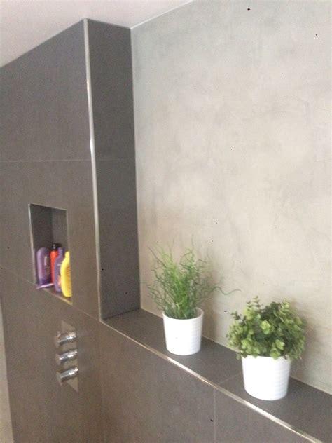 gietvloer arnhem de spaan showroom microcement badkamer naadloze wanden