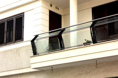 ringhiera in vetro e acciaio ringhiera in vetro acciaio e ferro ab serramenti