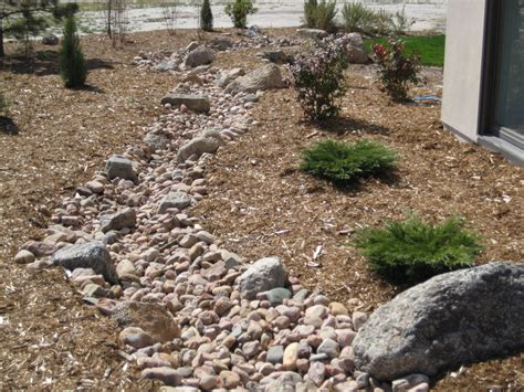 dry stream bed dry creek bed landscaping designs dry creek beds