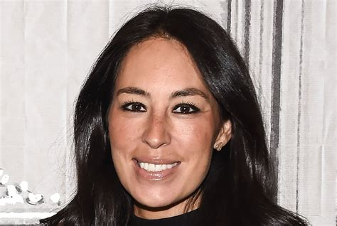 joanna gaines makeup the comfy sneakers joanna gaines can t stop posting about