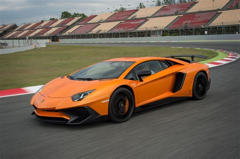 lamborghini aventador 2016 lamborghini aventador reviews and rating motor trend