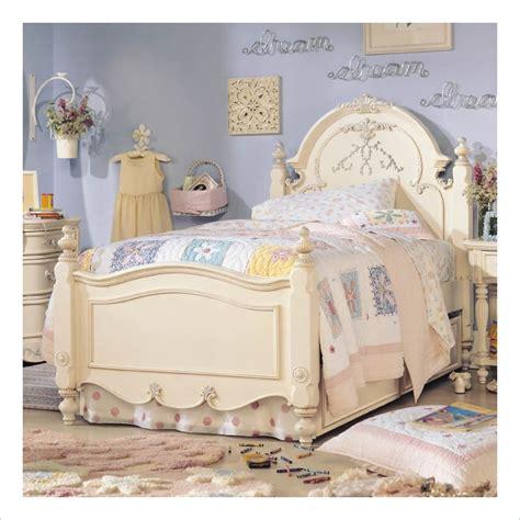 mcclintock bedroom set error