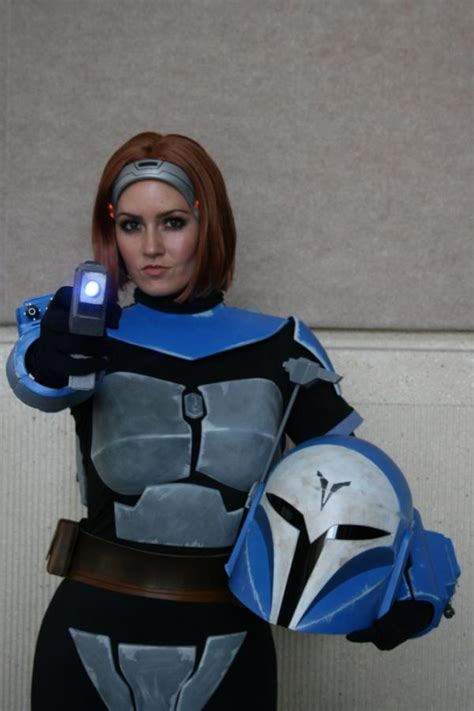 star wars bo katan bo katan in full mandalorian armor cuz halloween is