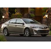 2016 Toyota Camry Vs Avalon Whats The