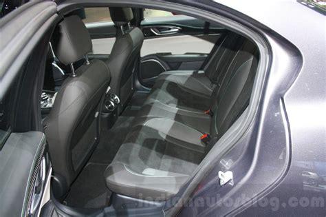 alfa romeo giulia rear seats  dims