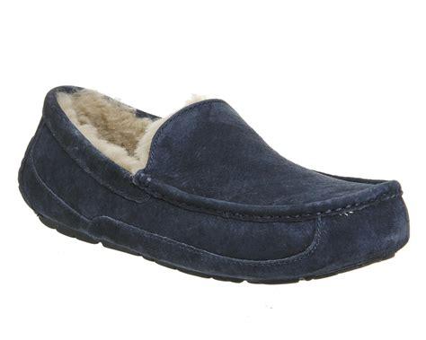 men s slippers for less overstock com mens ugg slippers office