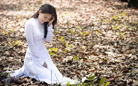 Dress Smile White white dress smile autumn leaves wallpaper