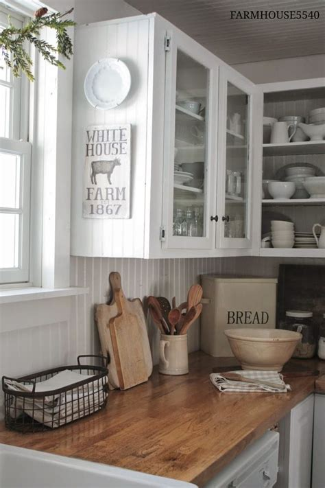 farmhouse kitchen furniture best 25 white farmhouse kitchens ideas on