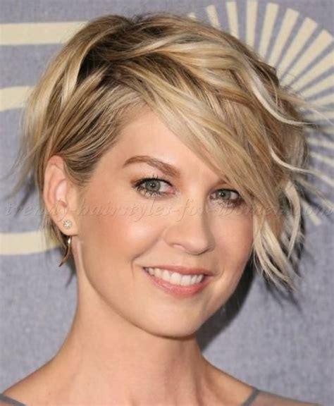 130 best images about short hair styles for women over 50 130 best short medium locks images on pinterest