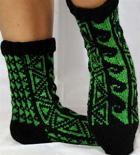hawaiian pattern socks hawaiian tattoo socks knitting patterns and crochet