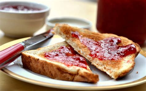 cara membuat roti bakar selai nanas resep roti panggang selai untuk sarapan food okezone