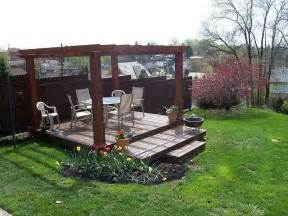 Floating Deck With Pergola by Floating Deck Outside Re Do Pinterest