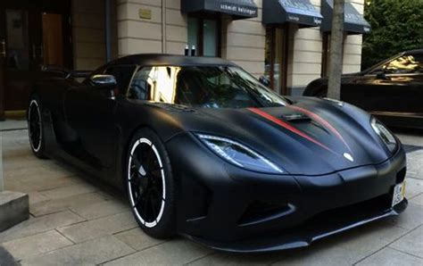 koenigsegg agera r matte black paint is really cool i likey the need for
