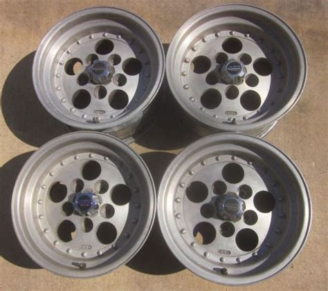 wheels tires hub caps  sale page   find  sell auto parts