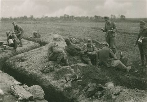 the zig zag pattern of trenches on the front lines was designed to spooky things kids say
