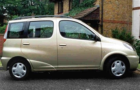 toyota verso 2000 toyota yaris verso year 2000 road test road tests