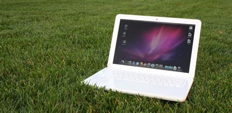 Macbook Pro White unibody apple macbook review