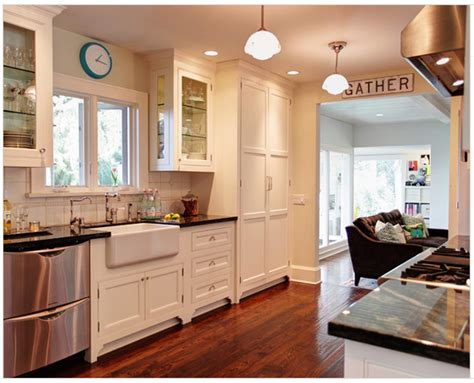 Kitchen Cabinet Ideas Houzz by Decorative Accents Kitchen Base Cabinets With In