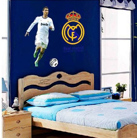 ronaldo bedroom 25 best ideas about real madrid logo on pinterest real