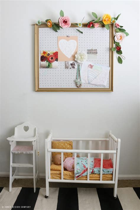 jones design doll a classically cute little girl s bedroom makeover it s