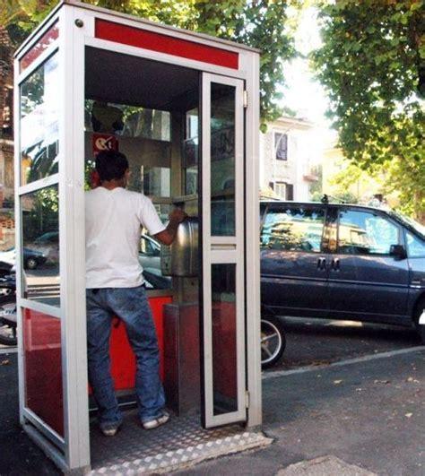 vecchie cabine telefoniche vecchie cabine telefoniche nuove funzioni per rinascere