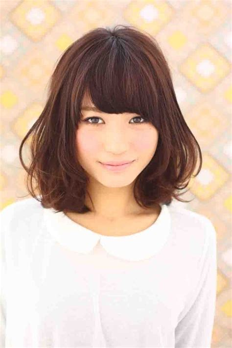 are bangs okay with medium short hair on 50 year old afloat春ヘアスタイル afloat ruvuaのヘアスタイル medium lengths bangs