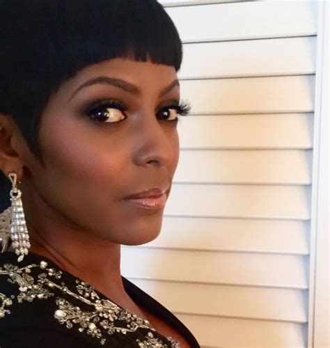 tameron hall 2016 new haircut get the look tamron hall s flawless precision cut