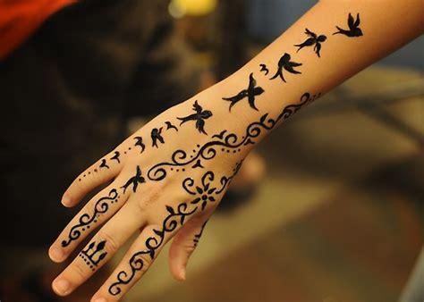 pajaros en henna