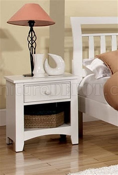 Corry Set Modern corry cm7923wh 5pc bedroom set in white w options