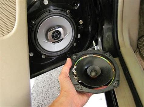 car speakers whats   fit  car