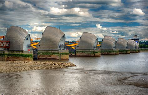 thames barrier lesson flood risk making better infrastructure investments water