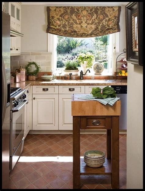 small traditional kitchen ideas 25 traditional kitchen design ideas